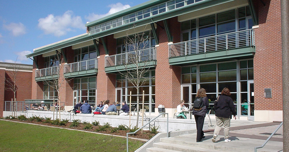 Teaching and Learning Center / Commons